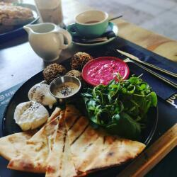 Salut Bar And Grill Middle East Plater